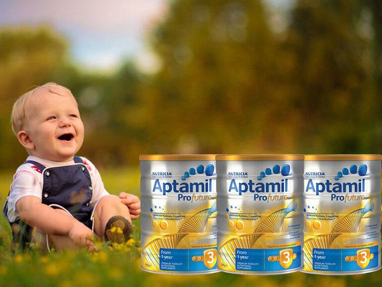 Nên chọn loại sữa phù hợp với thể trạng và giai đoạn phát triển của trẻ.