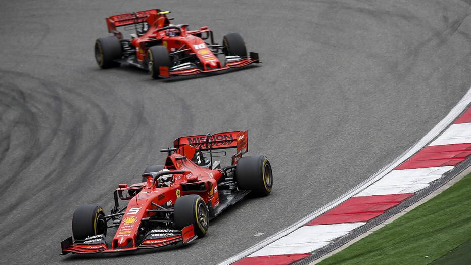 Đến với giải đua F1, bạn sẽ được chiêm ngưỡng đội đua F1 Ferrari kiệt xuất