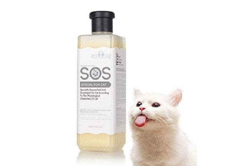 Sữa tắm cho mèo lông trắng SOS