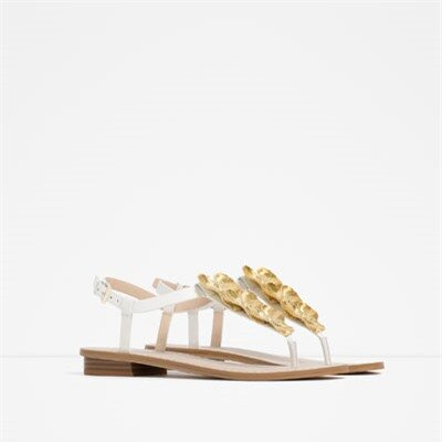 Image 2 of FLAT LEATHER SANDALS WITH FLORAL DETAIL from Zara