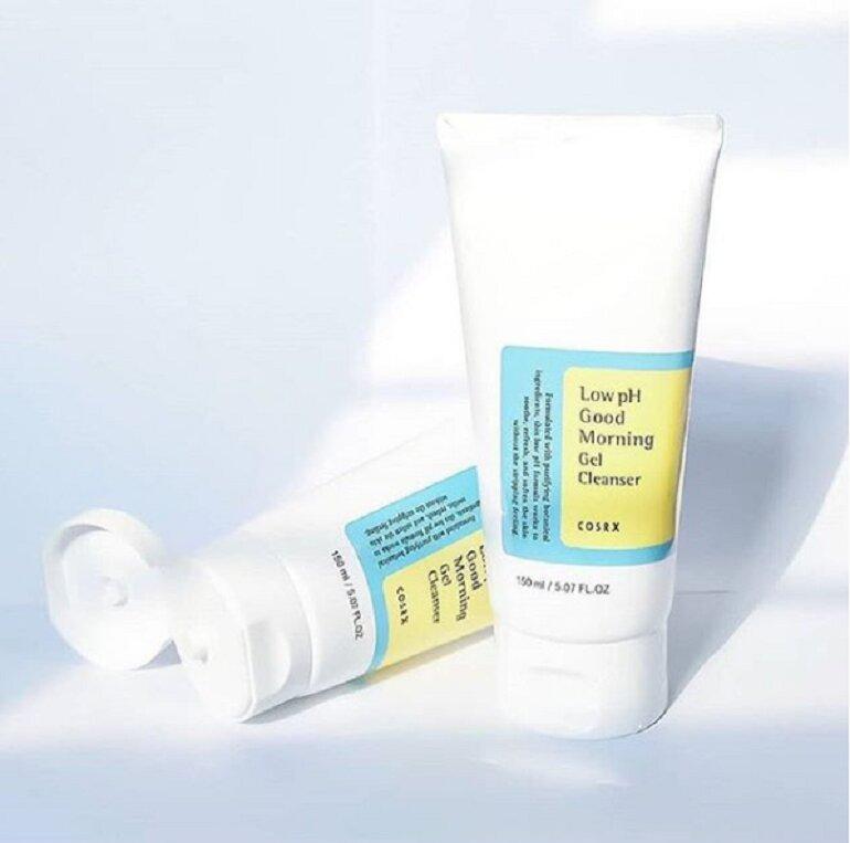 Sữa rửa mặt cho da nhạy cảm Cosrx Low pH Good Morning Gel Cleanser