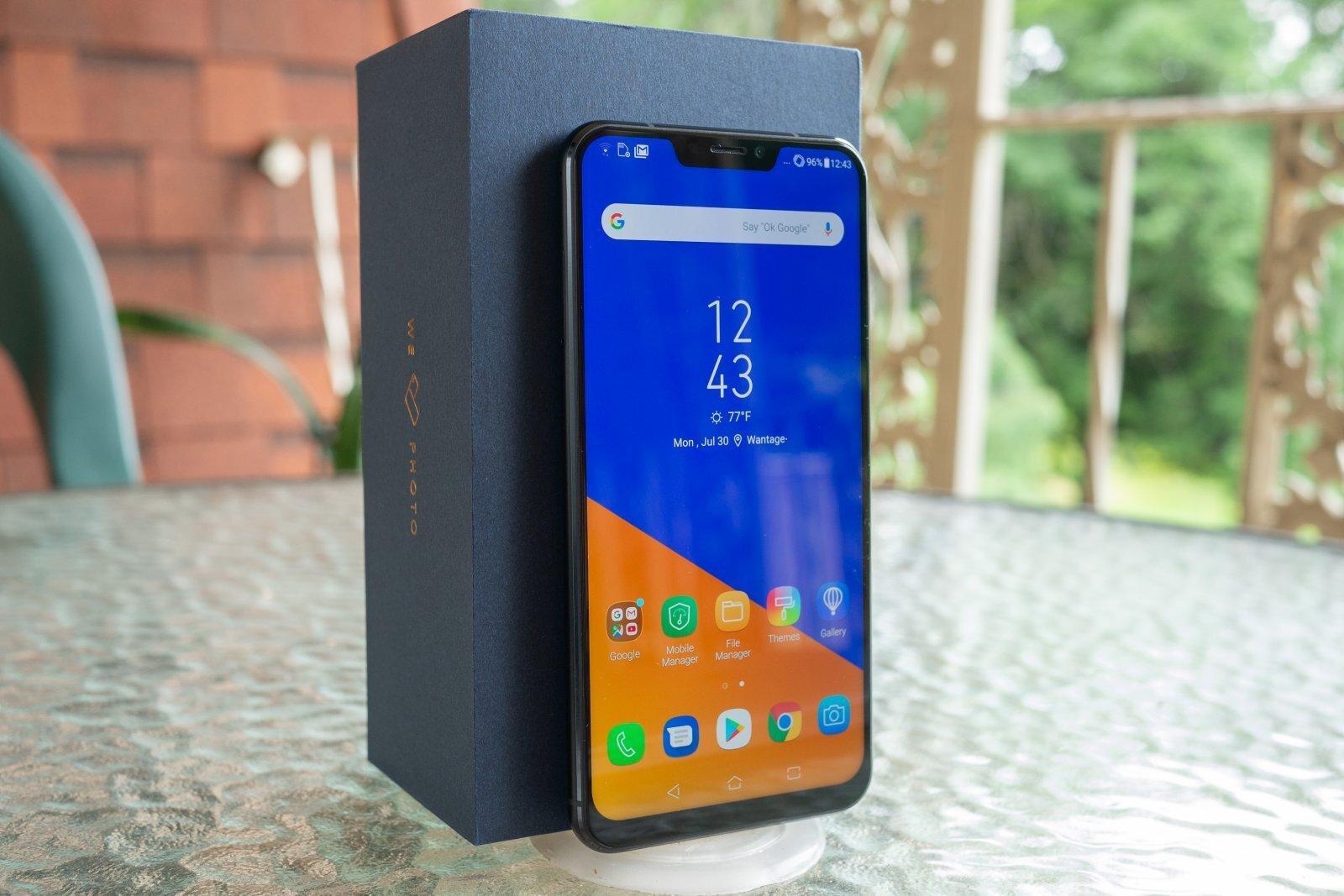 Zenfone 5Z có chất lượng hiển thị tốt, màu sắc chuẩn