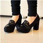 Giày cao gót đế vuông bít đầu màu đen – CG10