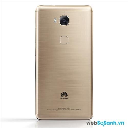 Camera chính của Huawei GR5 có độ phân giải 13MP và khẩu độ f/2.0, tiêu cự ống kính 28 mm