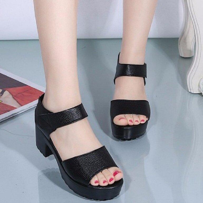sandal nữ đế vuông
