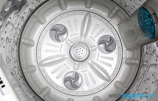 Lồng giặt bằng thép không gỉ giúp máy giặt không bị mài mòn (nguồn: internet)