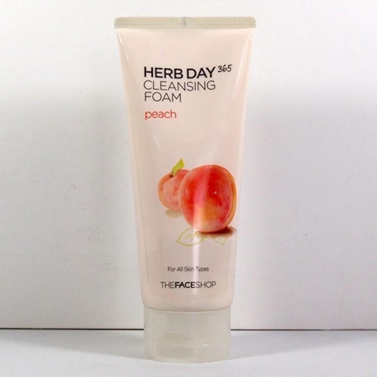 Sữa rửa mặt Herb Day 365 Peach Cleansing Foam
