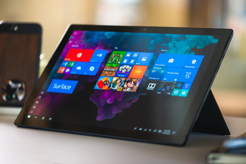 Màn hình Microsoft Surface Pro 6 hiển thị màu sắc hài hòa, sắc nét