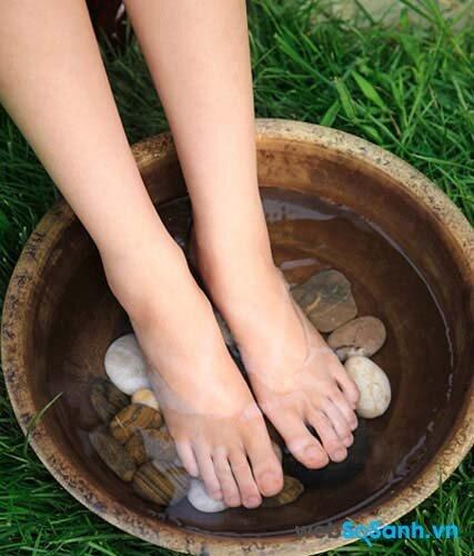 Nước ăn chân là tình trạng khá phổ biến trong mùa mưa