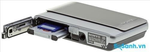 Máy ảnh du lịch Cyber-shot DSC-TX5 nhưng lại sở hữu độ bền cao, chống chịu được điều kiện khắc nghiệt