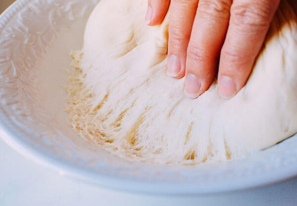 Hướng dẫn cách dùng dầu mè trong nấu ăn đúng giữ nguyên dưỡng chất | monmientrung.com
