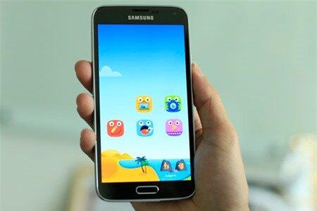Thiết kế Galaxy S5 không thay đổi so với phiên bản Galaxy S4.