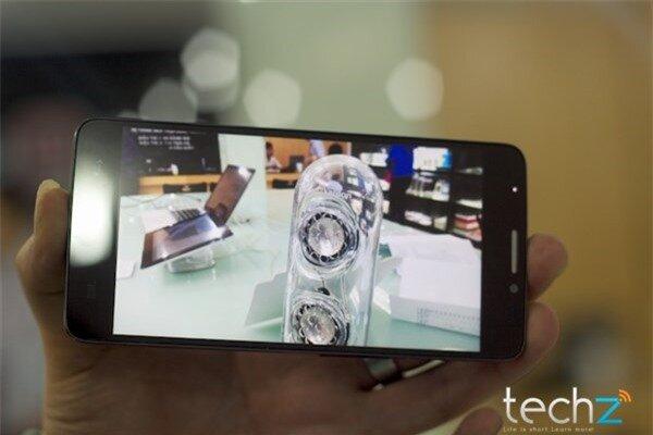 Trên tay Alcatel One Touch Idol: Lựa chọn tầm trung sáng giá-image-1385547321446
