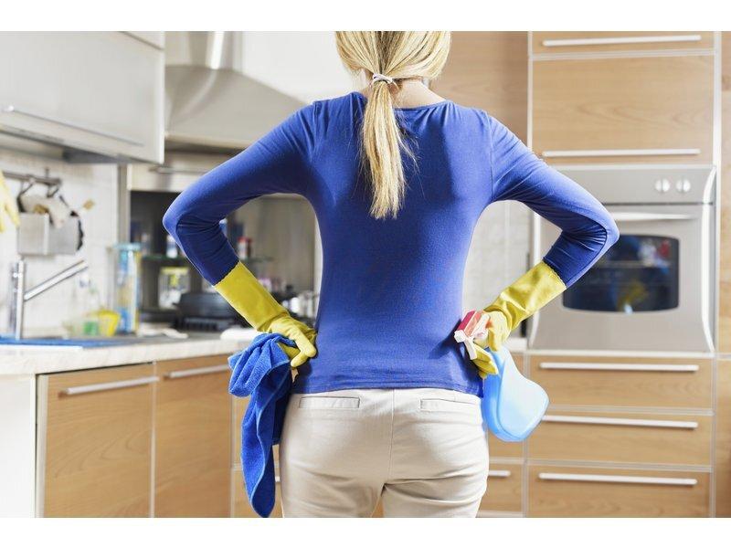 Hướng dẫn cách làm sạch tấm chắn máy hút mùi tại nhà