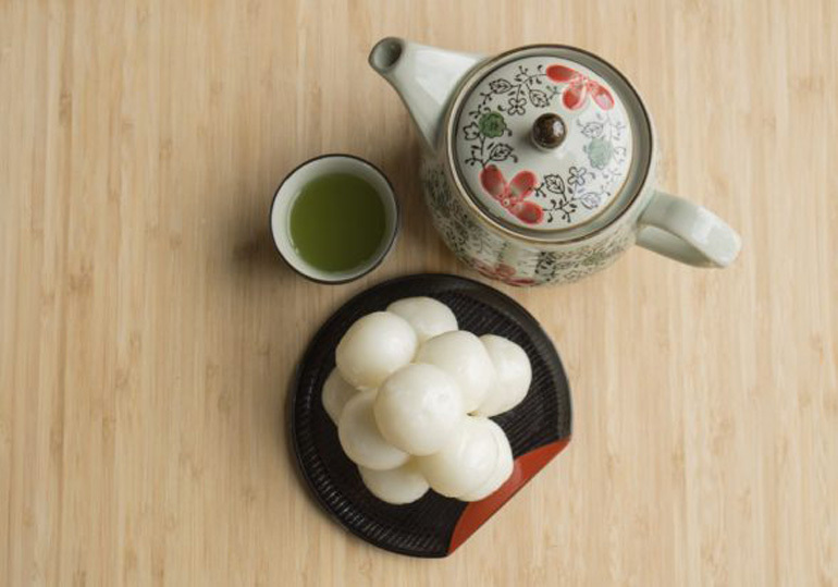 bánh tsukimi dango