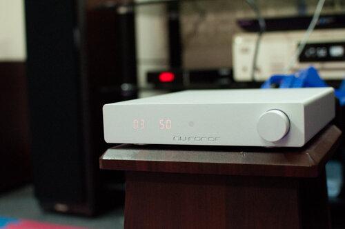 Sử dụng và nối ghép DDA-100 khá đơn giản.