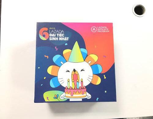 hộp quà Box Of Joy Lazada gửi tặng Websosanh.vn nhân Đại tiệc sinh nhật lần thứ 6 của Lazada