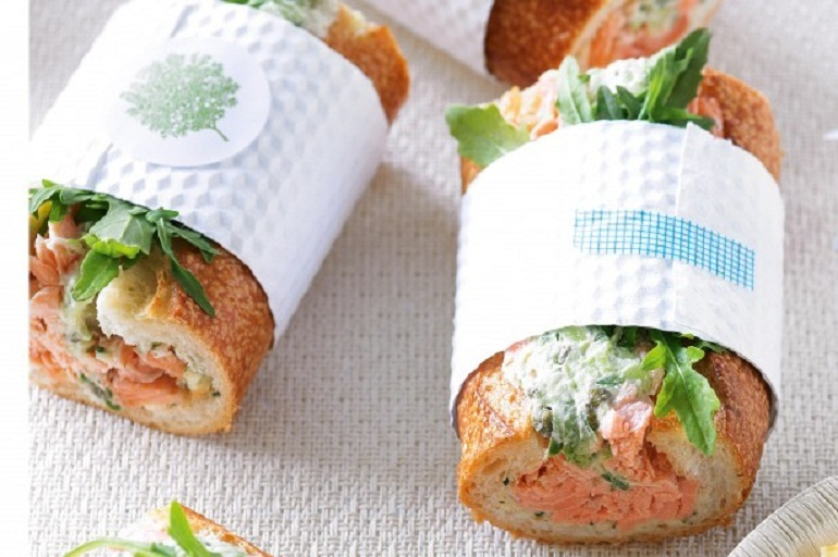 Bánh ăn dặm sandwich bơ trộn cá hồi