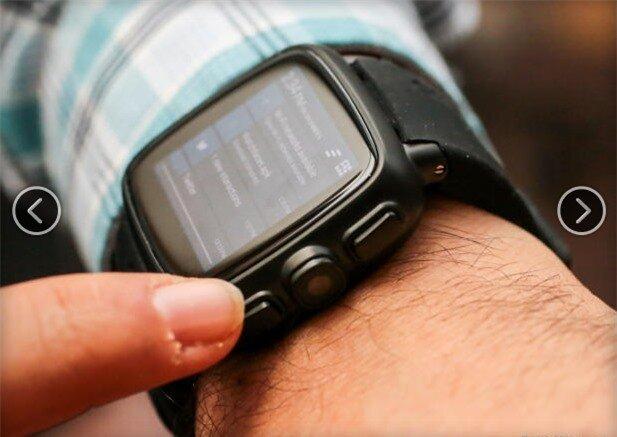 2 nút bấm ở bên cạnh giúp khởi động đồng hồ và có chức năng như nút