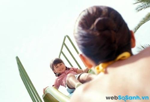 Cha mẹ cùng con cái nên tham gia các hoạt động lành mạnh