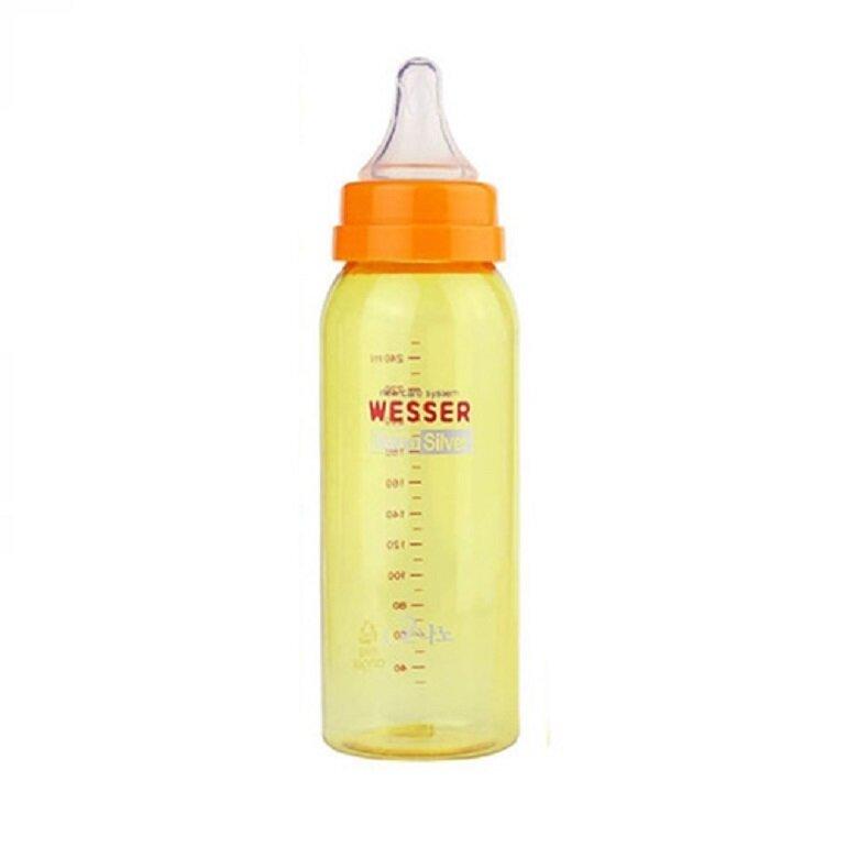 Núm ti của bình sữa Wesser Nano Silver 250ml làm bằng silicon