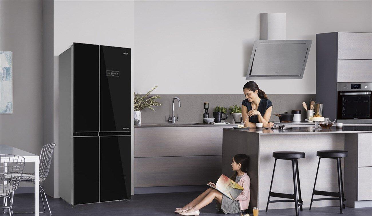 Thiết kế sang trọng của tủ lạnh Hitachi mang đến không gian nội thất đẳng cấp