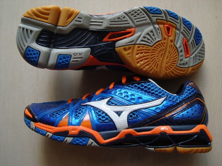 Giày bóng chuyền Mizuno Wave Tornado 8 xanh
