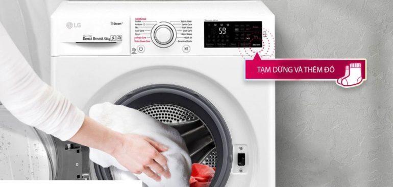 Với máy giặt LG Twin Wash TWC1408D4W Inverter 8,5 kg bạn có thể thêm đồ trong khi giặt bất cứ khi nào bạn muốn với tính năng