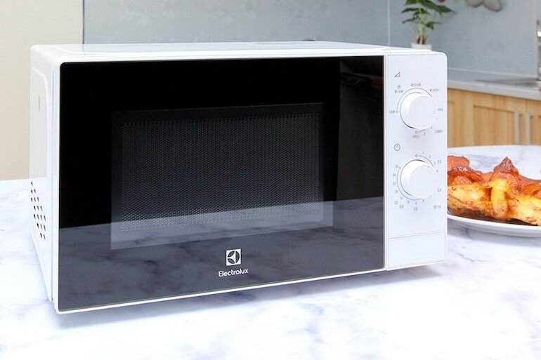 Lò vi sóng Electrolux - nội thất phòng bếp đẹp