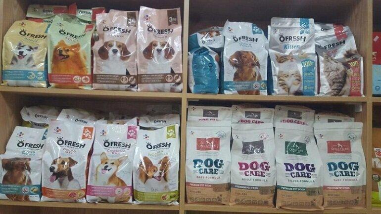 Thức ăn khô cho chó vừa đảm bảo dinh dưỡng vừa tiện lợi