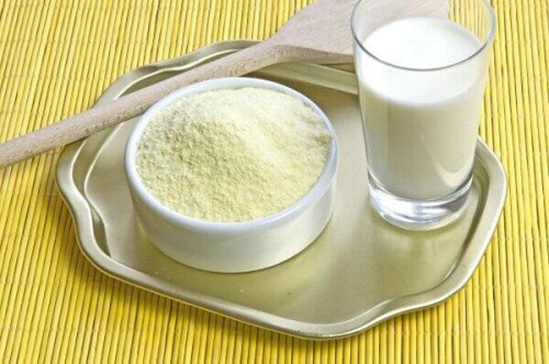 Pha sữa không đúng liều lượng gây hại cho trẻ.