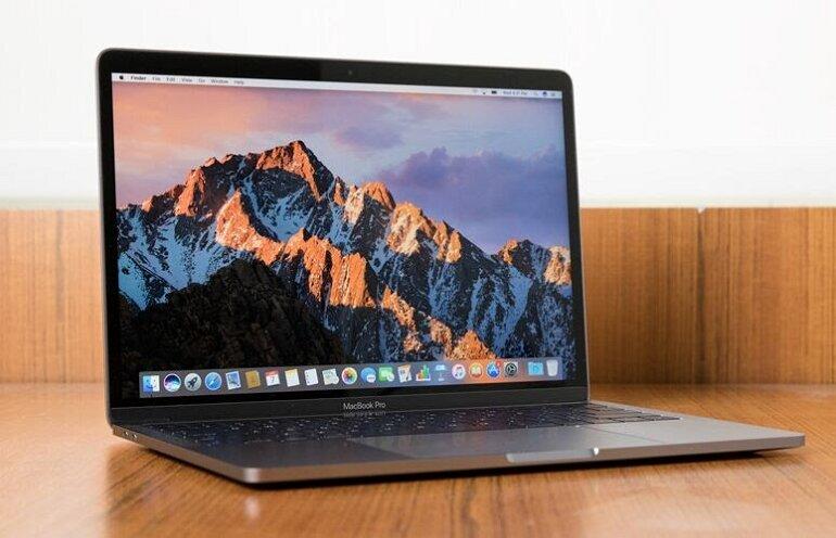 Macbook pro 2017 13 inch-1
