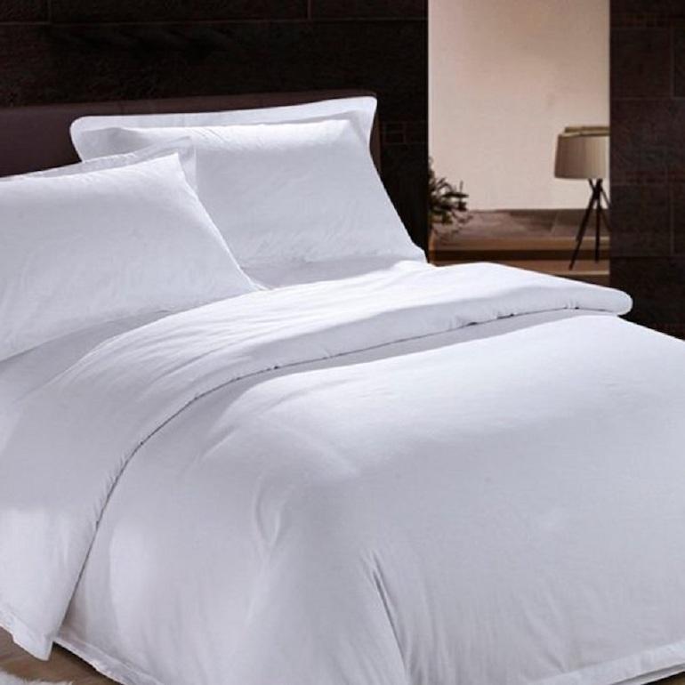 Mẫu ga trải giường màu trắng trơn