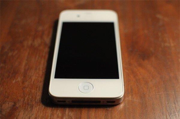iPhone phiên bản trắng có thể chưa từng xuất hiện 4
