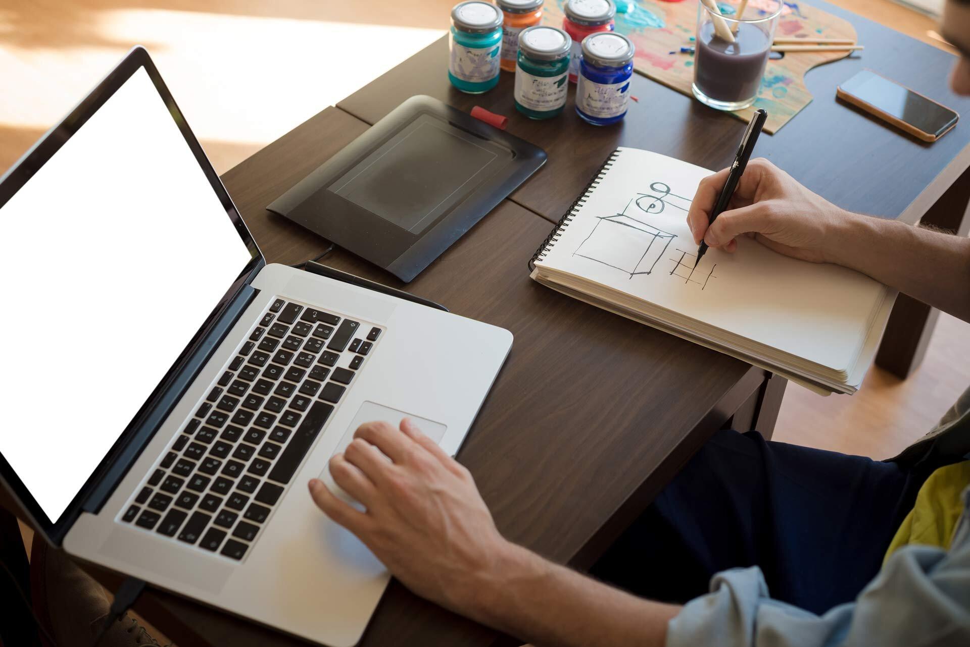 Laptop sử dụng cho sinh viên ngành kỹ thuật có những yêu cầu riêng