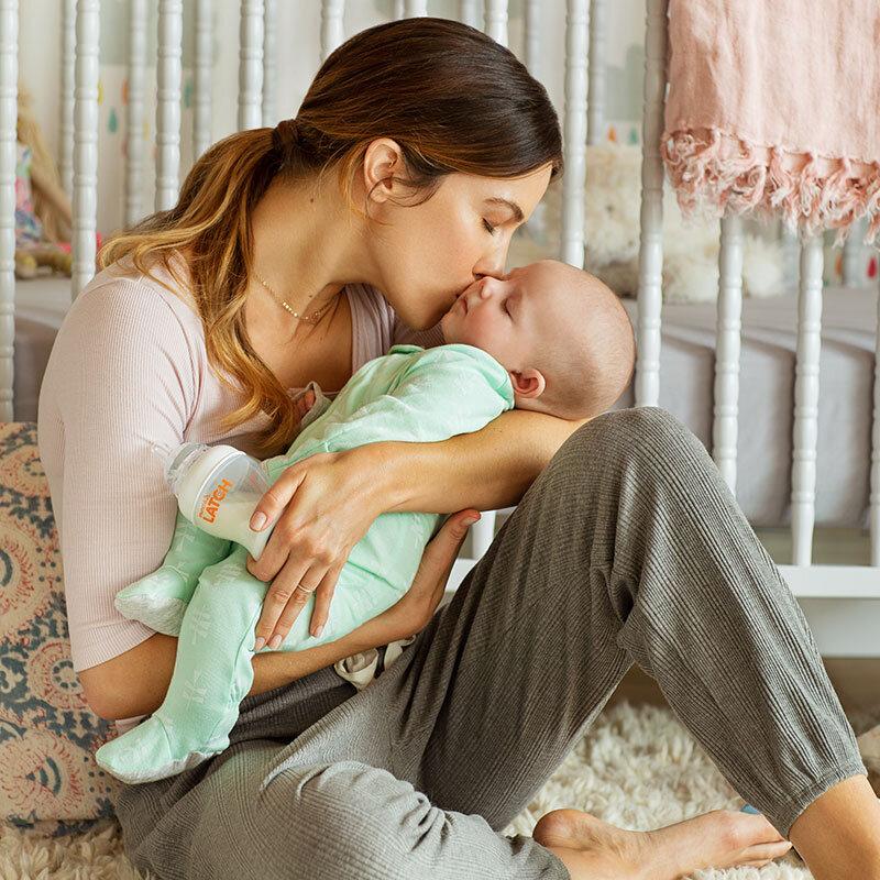 Phụ nữ sau sinh cần được bổ sung đầy đủ dưỡng chất cần thiết cho cơ thể