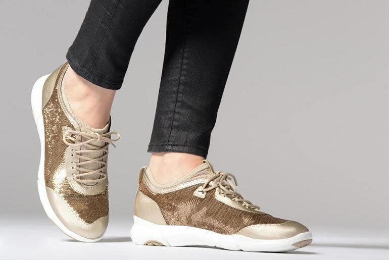 Giày Slip on nữ Geox D Nebula B nổi bật với thiết kế nữ tính, trang nhã