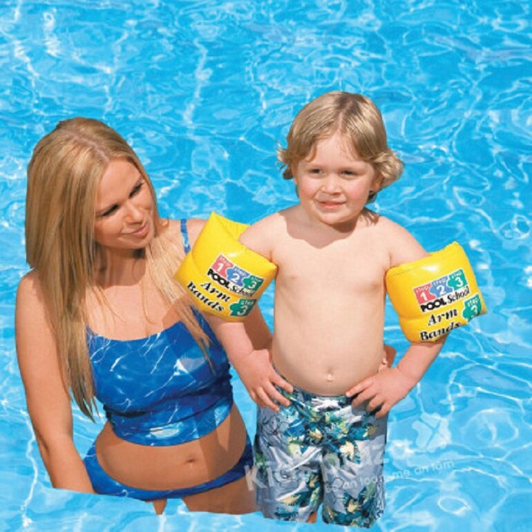 Phao bơi tay cho bé