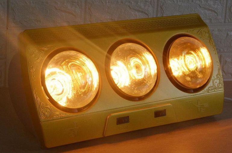 Lưu ý đến thời gian sưởi ấm cho trẻ khi dùng đèn sưởi Kohn 3 bóng.