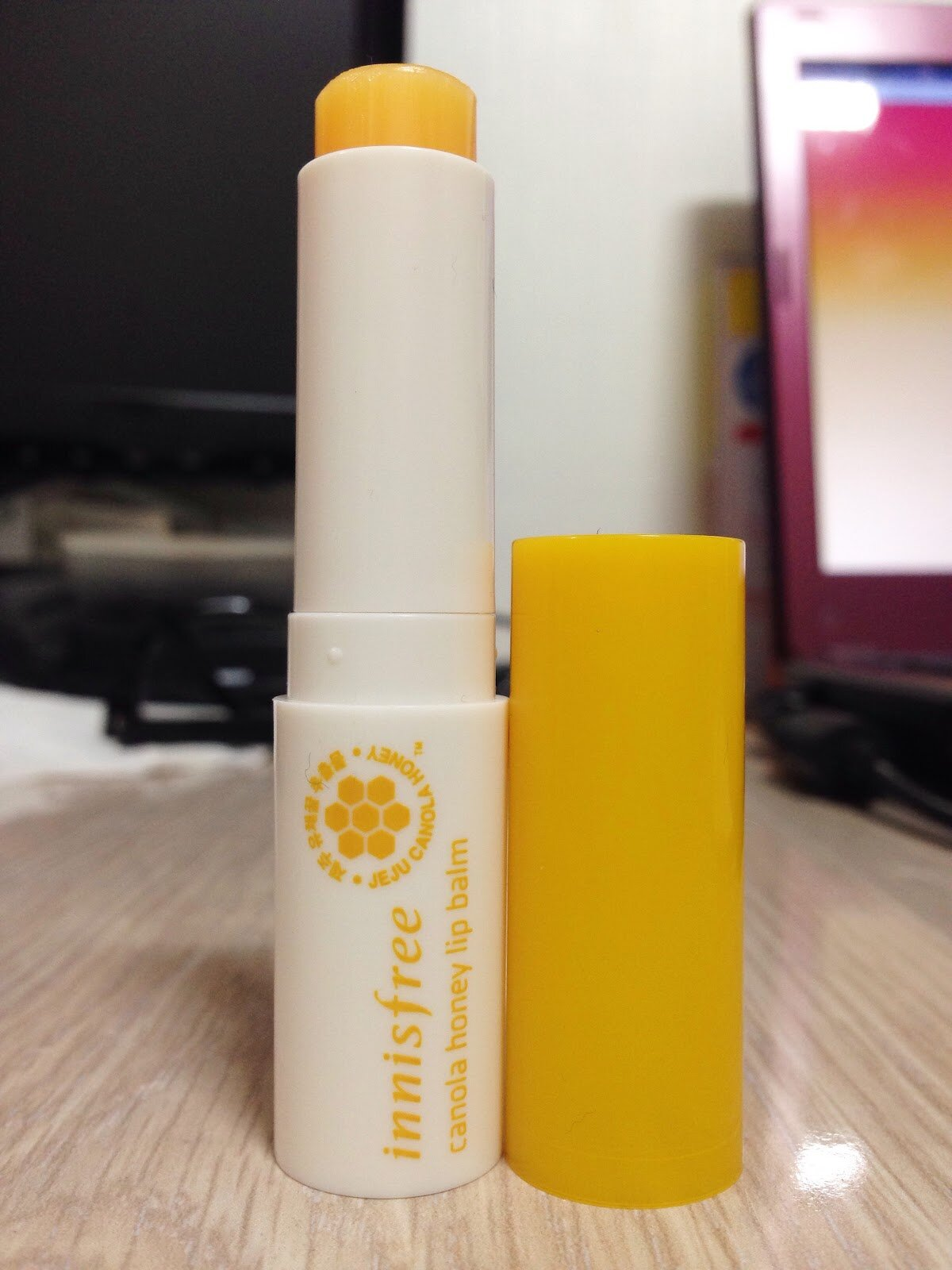 Son dưỡng môi Innisfree Canola honey lip balm stick
