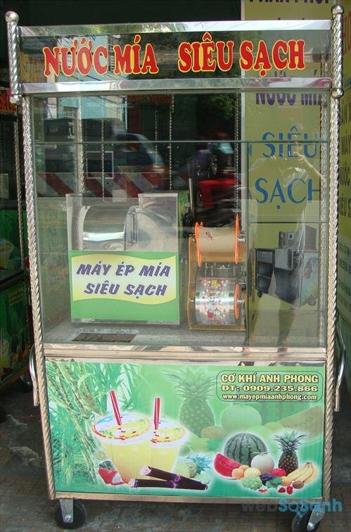 Người bán nước mía di động nên mua kèm thêm xe bán nước mía kết hợp máy dán miệng cốc nước mía
