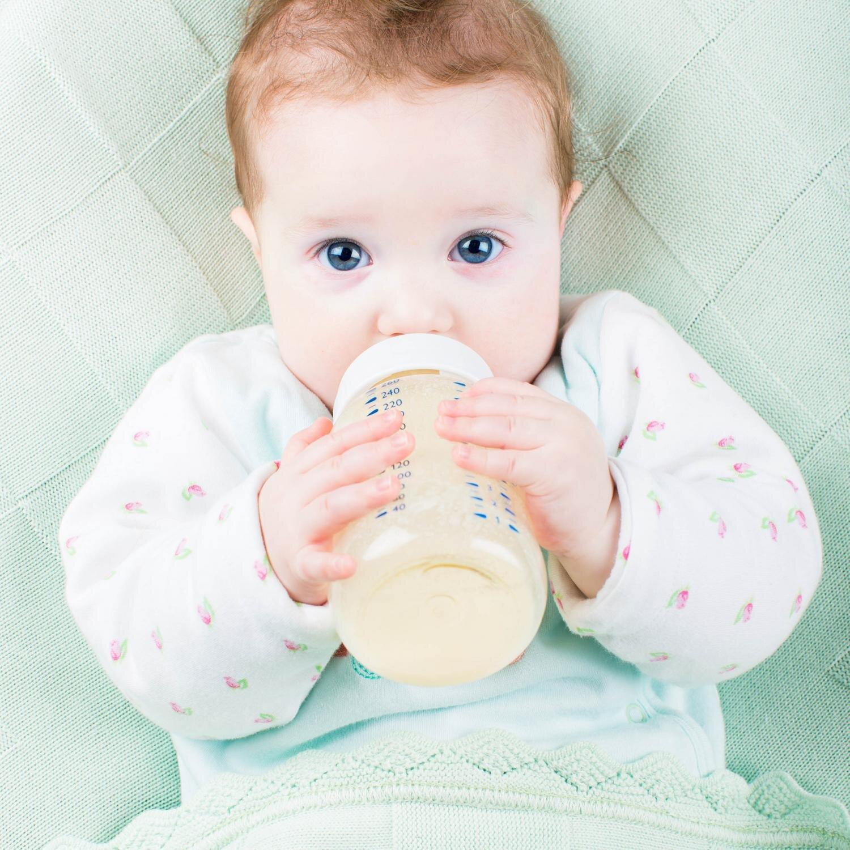 Cho bé uống 2 loại sữa công thức được không