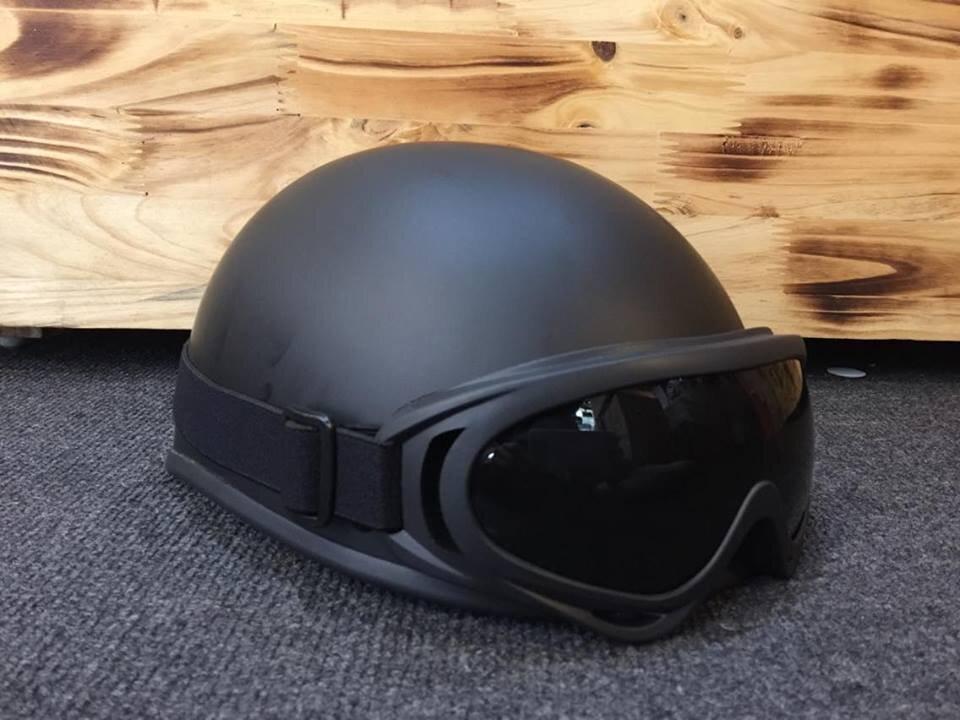 Mũ bảo hiểm nửa đầu có kính an toàn và đem lại nhiều lợi ích khác
