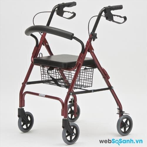 Phần khung tập đi rất quan trọng trong những xe lăn cho người bệnh