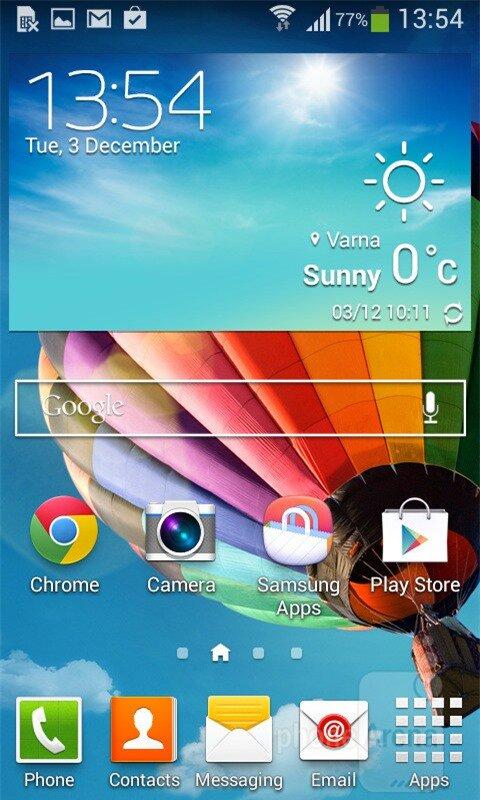 Màn hình chính với giao diện TouchWiz độc quyền của Samsung