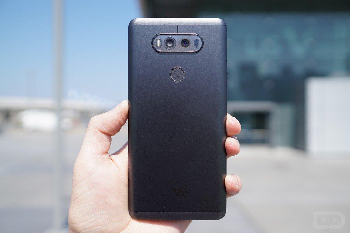 LG V20 Mỹ có dung lượng pin ấn tượng với thời gian sạc đầy chỉ 108 phút