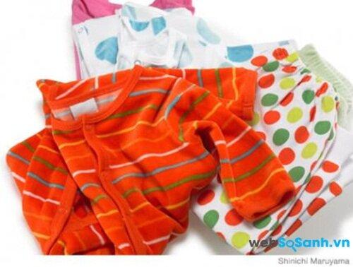 Lựa chọn quần áo ngủ thoáng mát cho bé