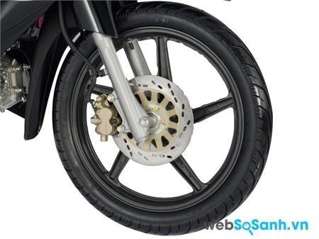 Suzuki Revo có cả phiên bản bánh căm và vành đúc