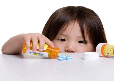 Đừng làm dụng thuốc chống biếng ăn mẹ nhé