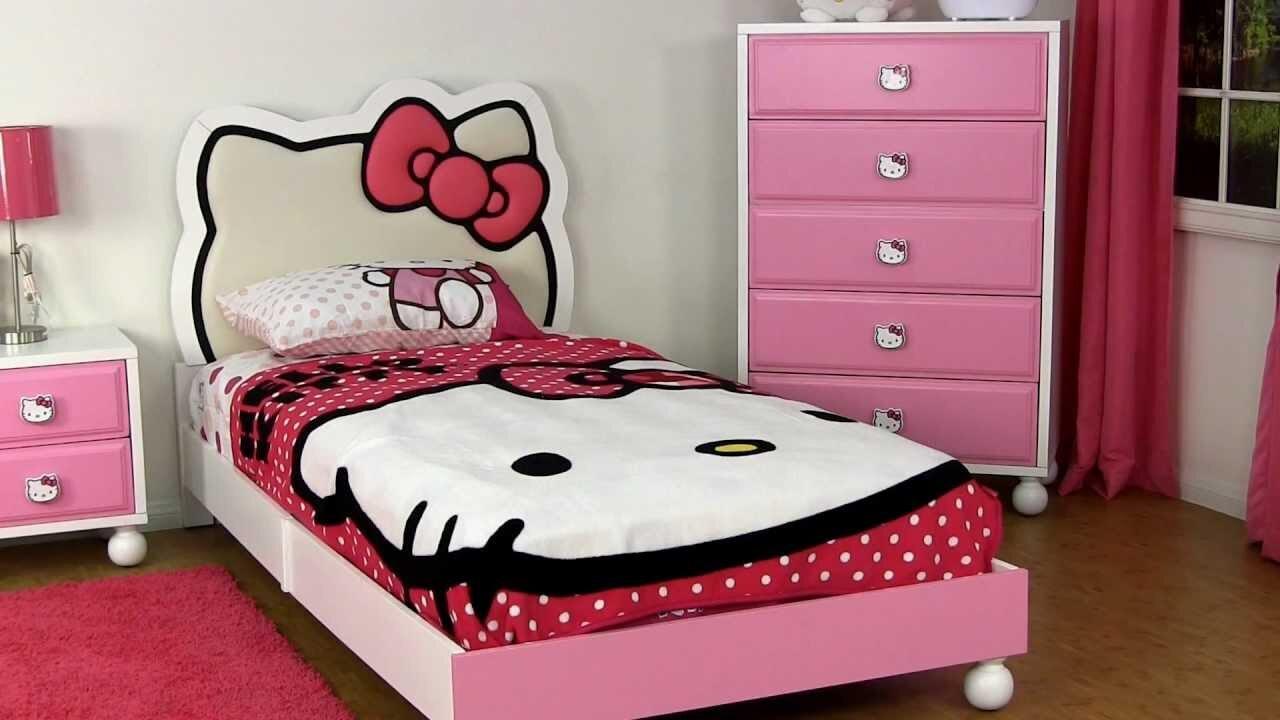 Sản phẩm bao gồm một chiếc ga trải giường 160 x 200 x 15cm, hai chiếc áo gối nằm chất liệu cotton mềm mại với mức giá khá rẻ chỉ tầm 500.000VND